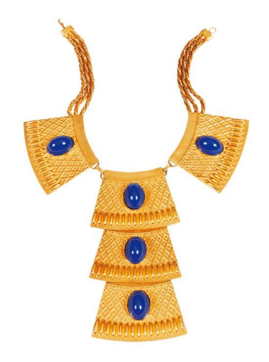 ▲黄金镶嵌青金石埃及风格项链,英国温莎公爵夫人生前珍品。