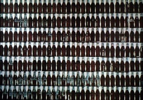 安迪·沃霍尔《二百一十个可口可乐瓶》