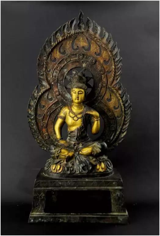北魏铜鎏金佛像   尺寸: 35x16cm