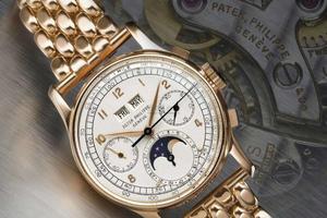外媒称埃及末代国王古董手表91万美元被拍卖