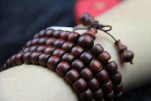 文玩圈4大谣言9成人信以为真:藏家祖传蜜蜡就是牛