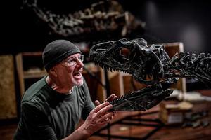 匿名买家140万欧元竞走两具恐龙遗骨化石