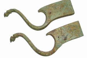 秦汉青铜承弓器鉴赏