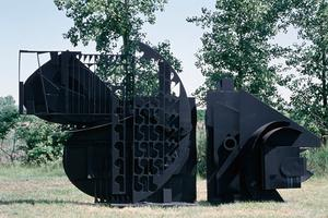 Louise Nevelson - 立体主义下的雕塑型态