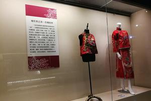 锦衣罗裙:京城西域传统服装联合展亮相哈密