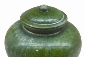 唐代巩义窑绿釉盖罐鉴赏