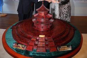 紫檀雕天坛祈年殿艺术珍品入藏联合国教科文组织