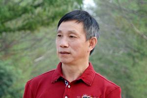 中国紫砂艺术年鉴2017-2018之方小龙