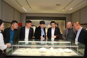 首届中国(景德镇)当代陶瓷绘画作品展隆重开幕