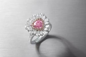 华艺国际18秋拍:透析彩钻与钻石的永恒之美