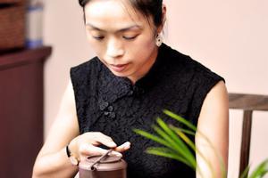 中国紫砂艺术年鉴2017-2018之鲍青
