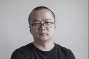 四个问题直面年度策展人蓝庆伟