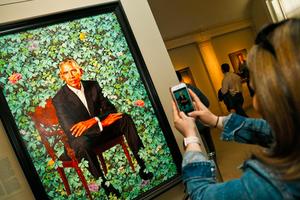 奥巴马的肖像画竟然有朝圣效应?