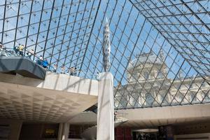 艺术家德沃伊宣布参与巴黎圣母院尖塔重建国际竞标