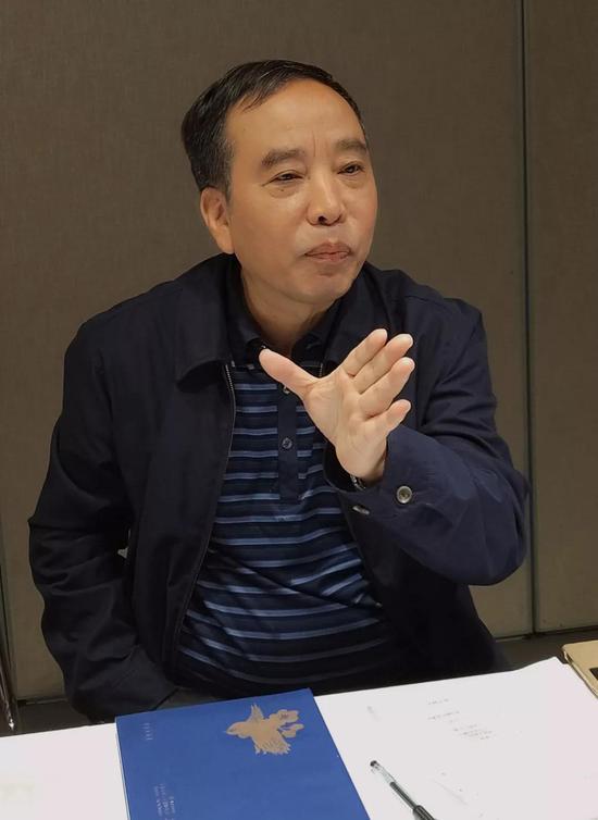 上海工艺美术行业协会会长耿鸿民