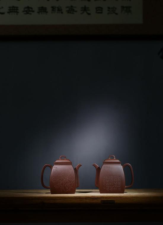 艺术家杨涛作品 汉方壶 泥料:紫泥 年代:2018 容量:850 CC