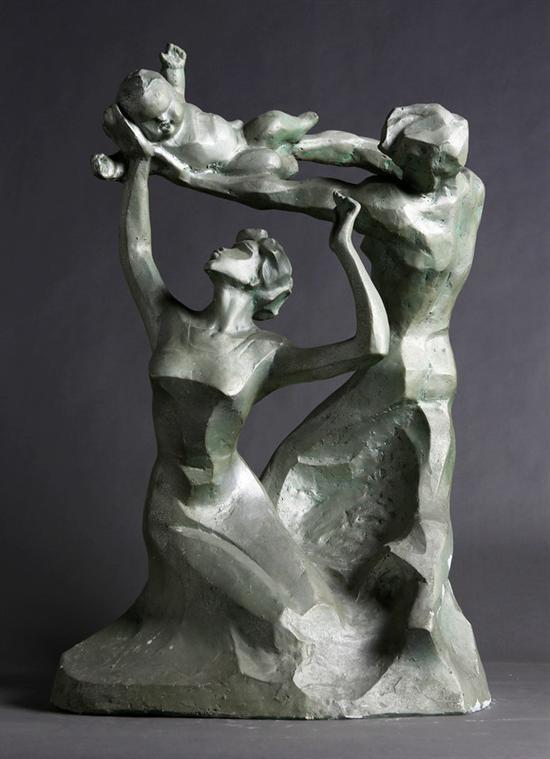 30。王福臻《黄金时代》石膏78cm×54cm×38cm 1985年 湖北美术馆藏