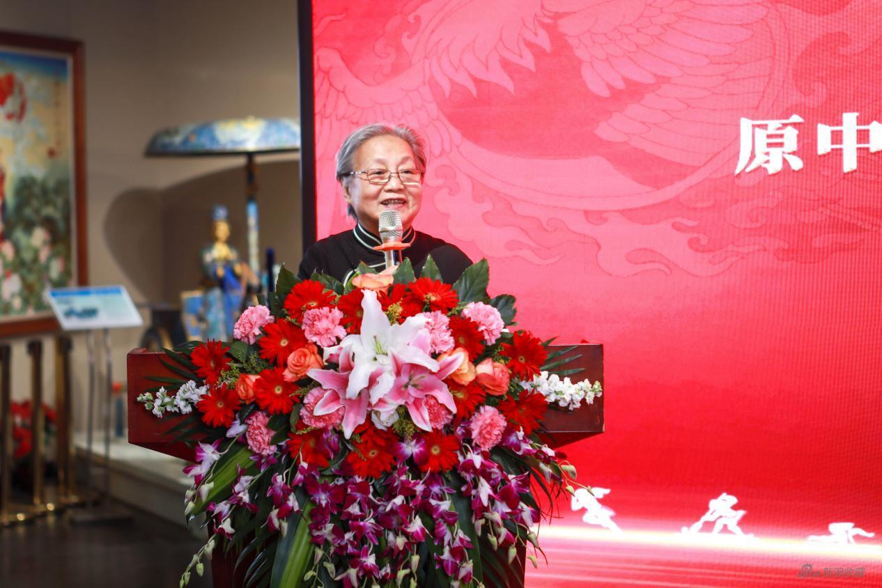 原中国工艺美术学会副理事长唐克美点评作品
