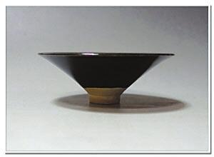 定窑黑釉瓷稀有价高 黑定一现即天价