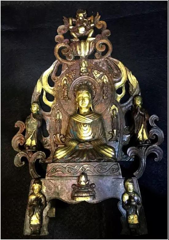 北魏铜鎏金佛像   尺寸:36x15cm