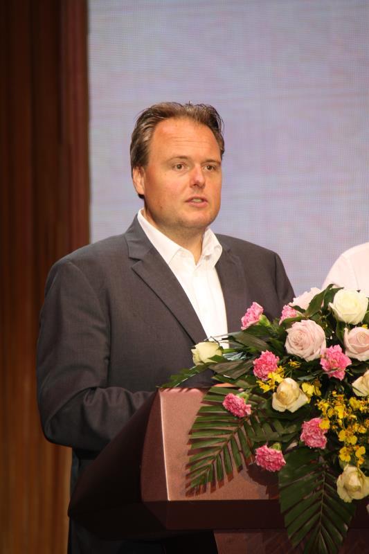 奥地利中欧发展促进会主席,奥地利联邦商会,维也纳商会,中国奥地利友好协会理事和会员史蒂芬劳赫在开幕式上发言