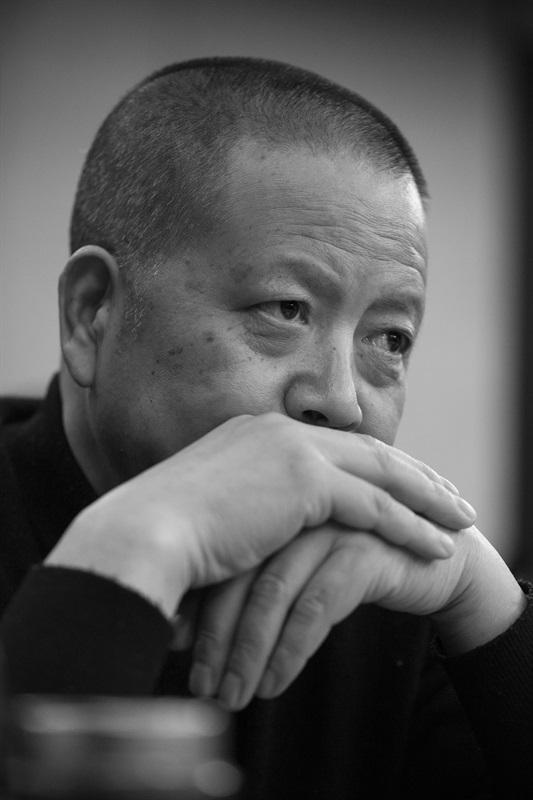 艺术家吴鸣