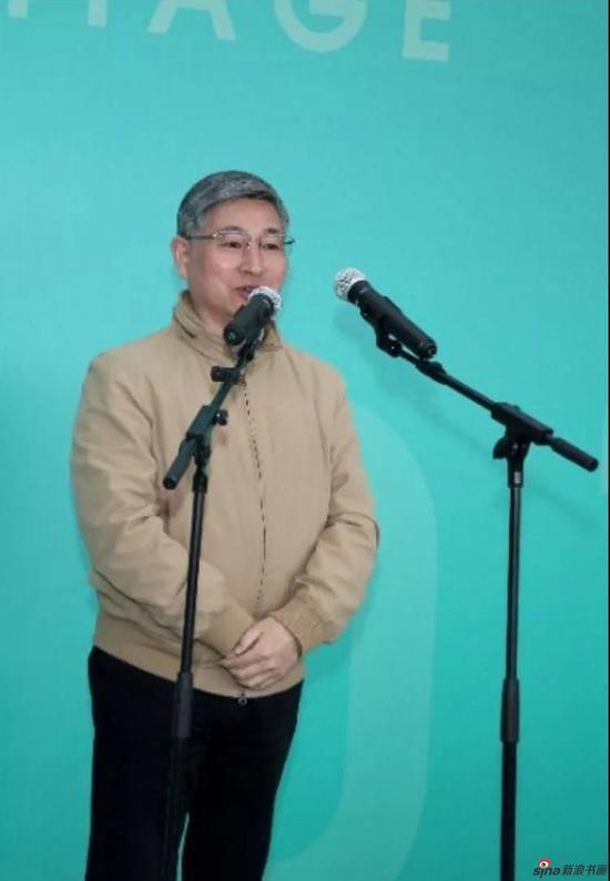 上海视觉艺术学院党委书记陈立民宣布展览开幕