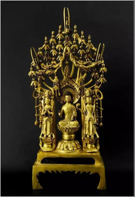 北魏释迦牟尼佛像   尺寸:32.5x15cm
