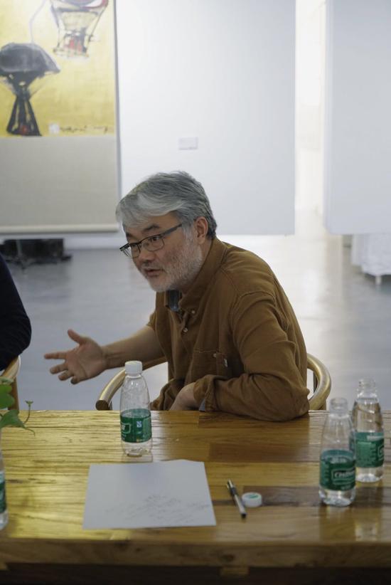 ▲策展人贾廷峰