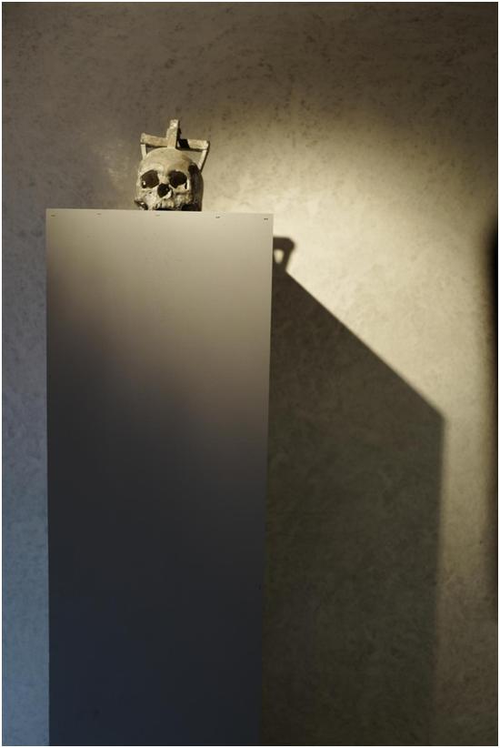 《无常》隋建国 / 铸铅 / 30×30×30cm / 2006
