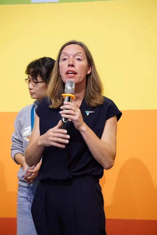 荷兰一分钟基金会主席茱莉亚女士