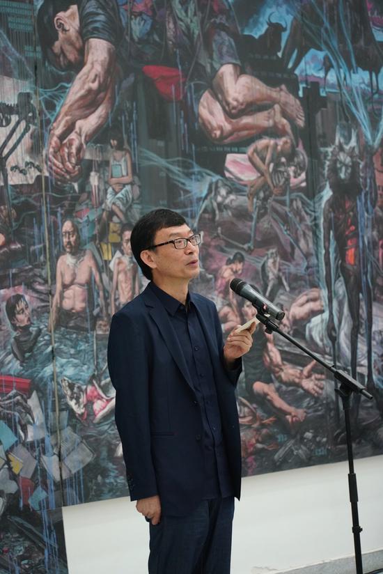 成都蓝顶美术馆理事长章智勇 致欢迎辞