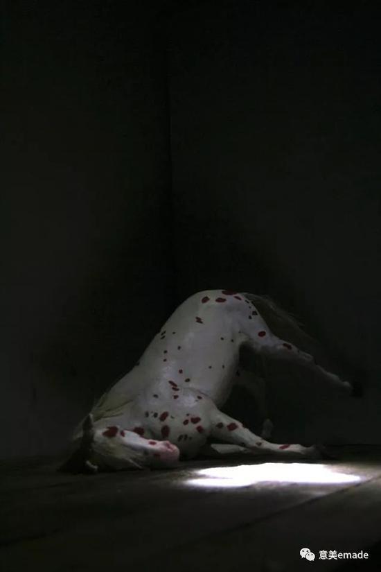 作品名称:《军粮城系列6号》创作年代:2011年 作品材质:综合材料 作品尺寸:80x70x30(cm)