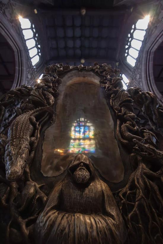 A Decorative Thing 一件装饰品,黎薇,曼彻斯特大教堂,2014年