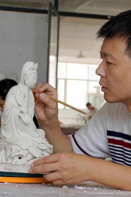 """颜松柳""""中国白""""陶瓷艺术展就要开展了"""
