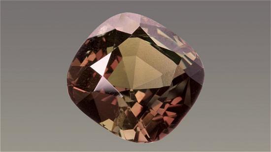 大英博物馆藏品中有一颗 43 克拉的亚历山大变石 。