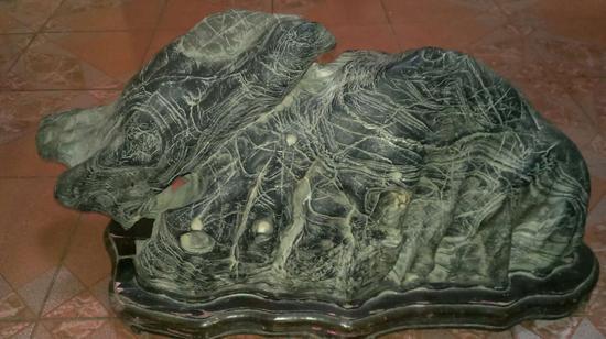 徐州发现一块重量59千克的灵璧纹石