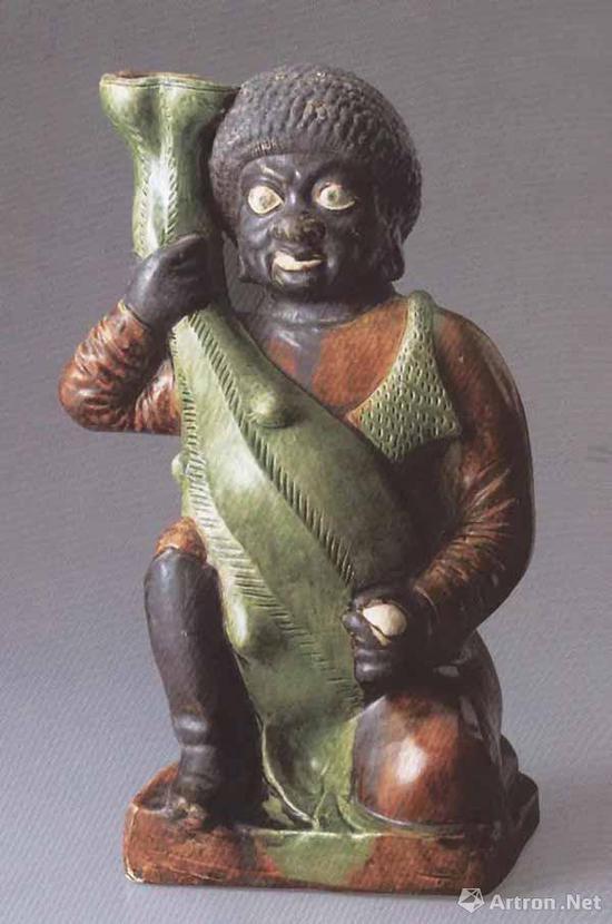 唐 三彩抱壶黑人俑 高36厘米