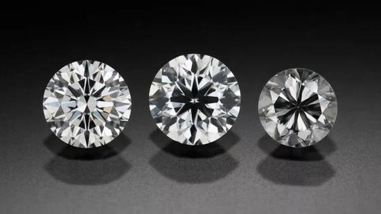 三颗切工等级从左到右依次降低的钻石