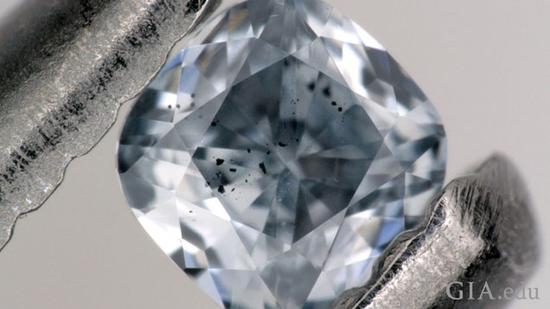 起源于远古海洋层的蓝色钻石简介