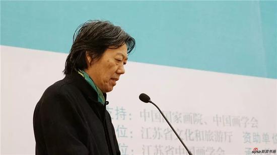 中国美术家协会艺委会副主任兼秘书长丁杰主持开幕式