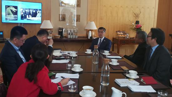 亚洲艺术博物馆许杰馆长向代表团介绍筹展设想