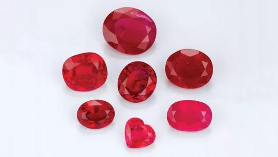 打磨好的红宝石