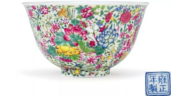 清雍正  珐琅彩万花锦纹碗  D:10.2 cm  成交价:RMB 8,970,000