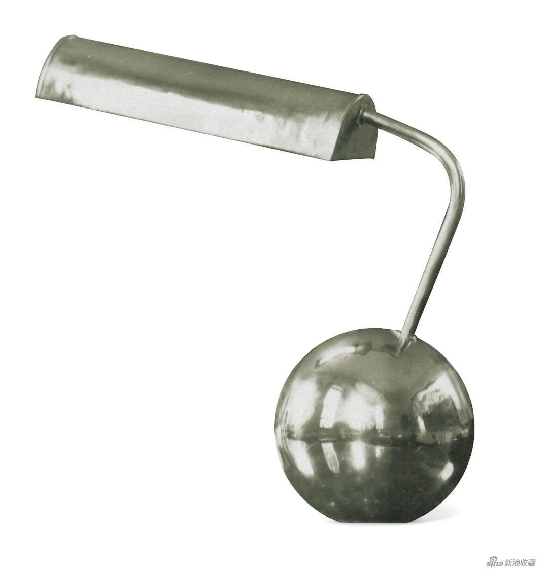 张光宇设计台灯 《近代工艺美术》 1932年