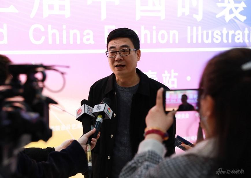 吉林艺术学院设计学院副院长李际教授在展览开幕结束后接受媒体采访