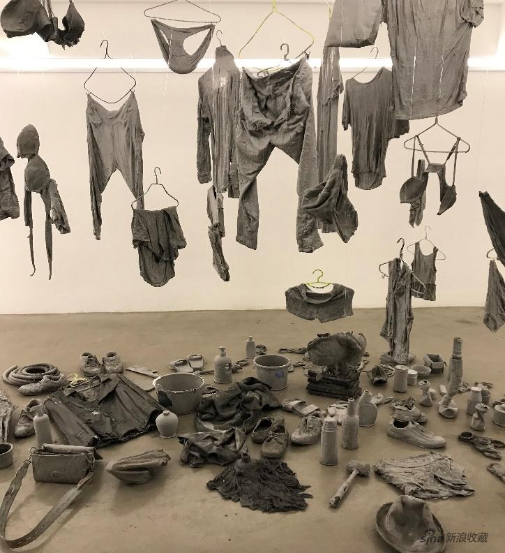 《重新雕塑系列作品》 二打六小组 综合材料(尺寸可变) 2016-2020