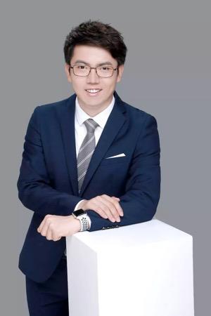 贾 英 昊 哈希世界 CEO,清华大学学生区块链协会创始人、现任主席。