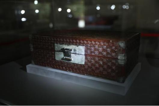 《盒》 雕漆 清代 (展陈于纯阳殿)