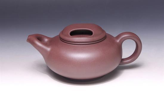 艺术家刘建平作品 金牛壶